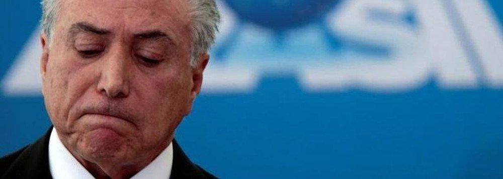 Vemos uma estratégia de sucateamento das estatais brasileiras em curso, que tem como objetivo desacreditar essas empresas e entregá-las ao setor privado. Trata-se de um processo criminoso e fraudulento que, na prática, transfere o patrimônio dos brasileiros ao capital especulativo