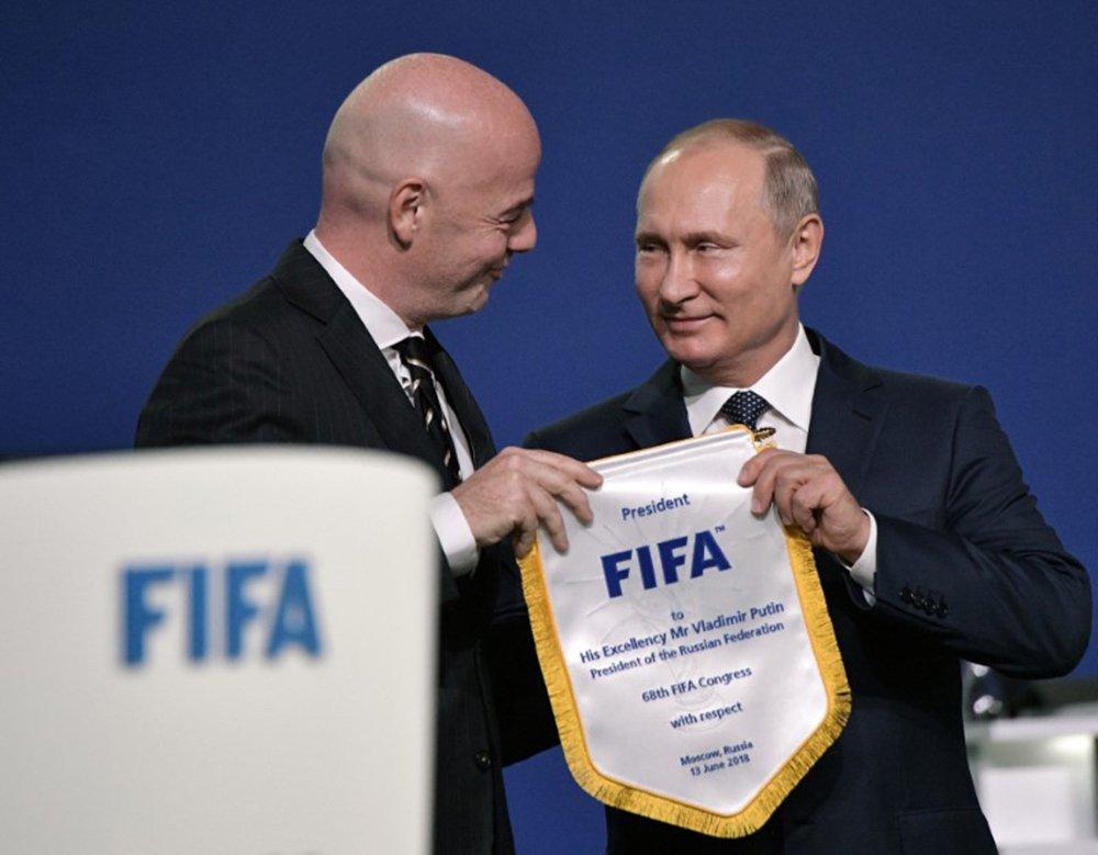 Presidente russo, Vladimir Putin, e presidente da Fifa, Gianni Infantino 13/06/2018 Sputnik/Alexei Nikolsky/Kremlin via REUTERS