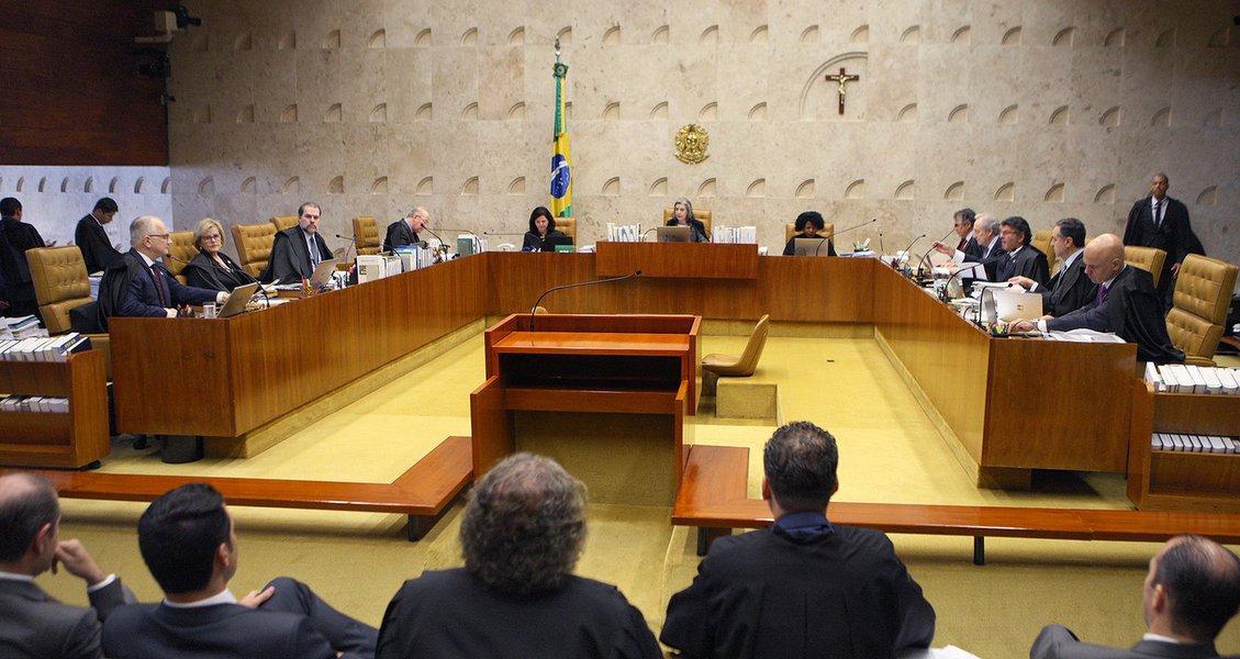 Partido Ecológico Nacional (PEN) vai se valer de brechas processuais e regimentais para evitar o julgamento da ação que pode revisar o entendimento do STF sobre execução de pena após o fim de recursos em 2ª instância, a fim de não beneficiar o ex-presidente Lula, disse o advogado da legenda à Reuters nesta segunda-feira;Paulo Fernando Melodisse que já há uma estratégia para evitar a análise pelo plenário esta semana