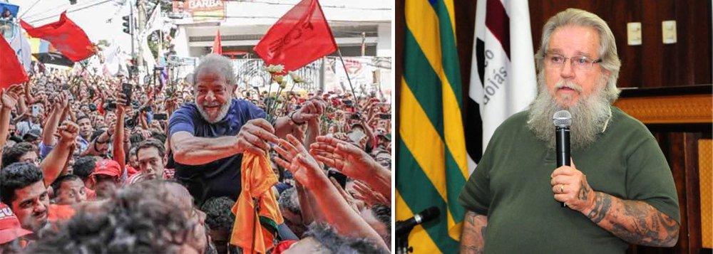 """""""Será que a nossa nação terá de assistir à morte, na prisão, de seu maior líder popular, do maior líder de toda a história do Brasil?"""", questiona o jurista Afrânio Silva Jardim; """"Será que querem """"fechar as portas"""" das saídas institucionais e democráticas ao nosso povo, criando condições para comoções de ordem social de consequências imprevisíveis?"""""""