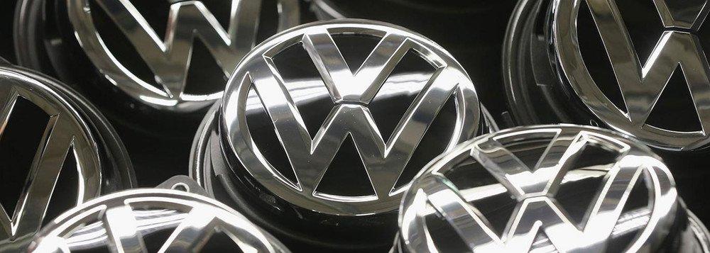 Promotores da Alemanha reforçaram que houve o descumprimento do dever de supervisão na divisão de desenvolvimento de agregados relacionados aos testes de veículos; como consequência, entre 2007 e 2015mais de 10 milhões de veículos foram equipados com uma função de software ilegal, que foram vendidos e entraram em circulação em vários países