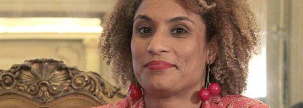 A investigação da Delegacia de Homicídios(DH) apura se a vereadora do PSOL Marielle Franco, assassinada há três meses, era alvo de uma escuta telefônica dentro do gabinete na Câmara de Vereadores; a morte de Marielle pode ter sido planejada há pelo menos um ano