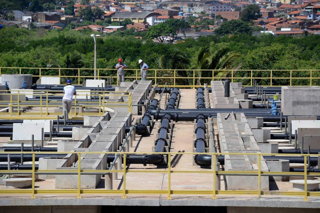 Segundo Pesquisa Nacional por Amostra de Domicílio Contínua (PNAD_C), nos últimos três anos o índice de domicílios ligados à rede coletora cresceu 62% no Maranhão; desde 2015 o governo tem investido no saneamento básico; são mais de 150 quilômetros de novas redes coletoras e interceptores instalados, além da a conclusão e entrega da Estação de Tratamento de Esgoto (ETE) Vinhais
