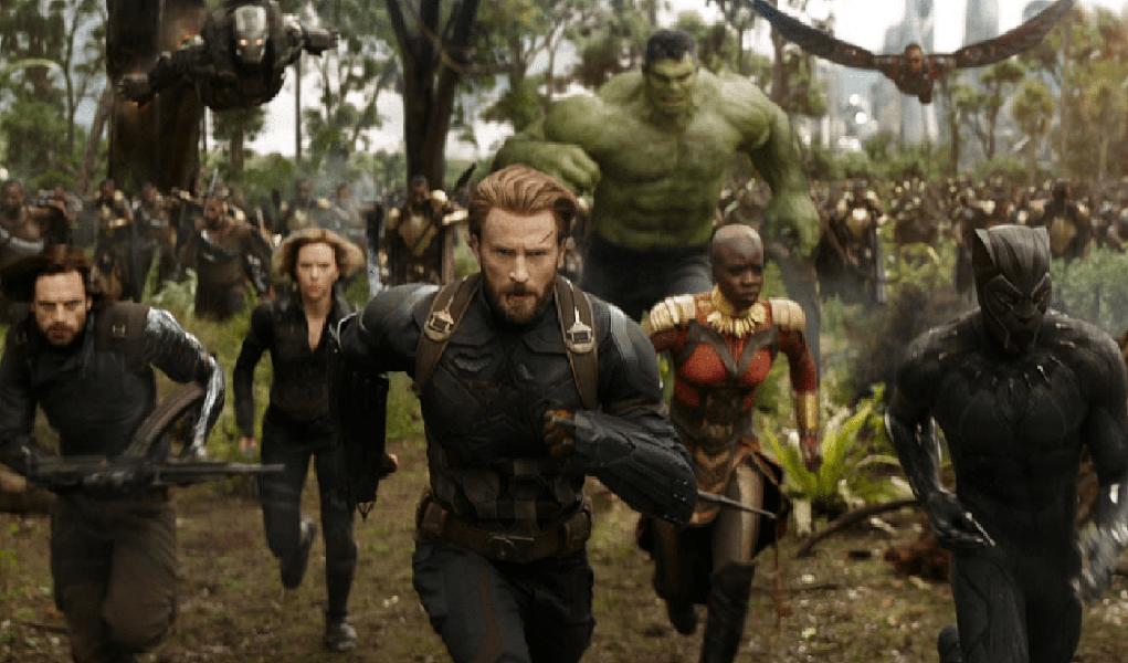 """Os """"Vingadores"""" se reuniram com toda força também nas bilheterias deste fim de semana. O filme """"Vingadores: Guerra Infinita"""" tomou de assalto a América do Norte faturando 250 milhões de dólares em 4.474 salas de cinema logo no fim de semana de estreia, quebrando recordes"""
