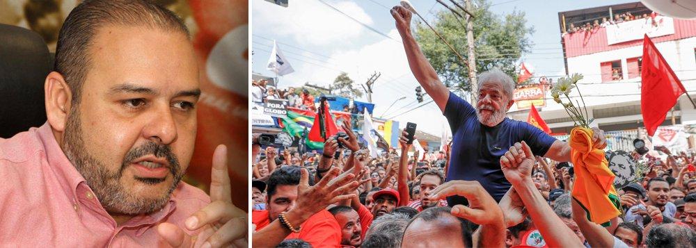 """""""Três fatos unificam as sete maiores centrais sindicais do Brasil neste 1º de Maio: a crise econômica, política e social que tomou conta do país desde o golpe de Estado; a prisão do ex-presidente Lula, em mais uma tentativa de o tornar inelegível e impedir sua vitória nas urnas nas eleições deste ano; e a violência, estimulada pelas crises econômica e política"""", diz Vagner Freitas, presidente da CUT; segundo ele, a solução """"passa pela valorização dos salários; pela ampliação das políticas sociais e da economia solidária; por uma reforma tributária que desonere trabalhadores e classe média e taxe os mais ricos e o capital especulativo"""" e, por isso mesmo, é urgente libertar Lula, hoje um preso político do golpe"""