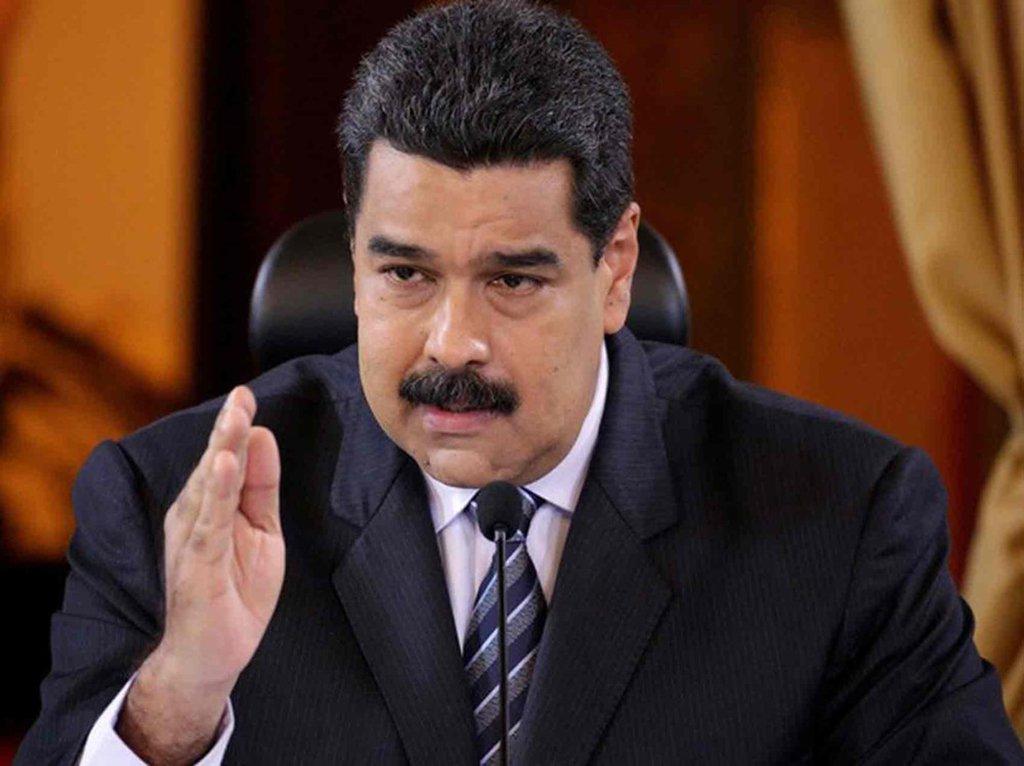 """O presidente venezuelano e candidato à reeleição, Nicolás Maduro, disse que está disposto a tomar as armas e fazer uma """"revolução armada"""" se um dia na Venezuela chegar ao poder um governo que decida entregar as riquezas do país aos EUA; """"Se um dia chegar um governo que pretenda entregar as riquezas [da Venezuela] eu seria o primeiro a dar um grito e tomar um fuzil para fazer revolução armada com o povo se for necessário. Seria o primeiro [...] a chamar o povo às armas"""""""
