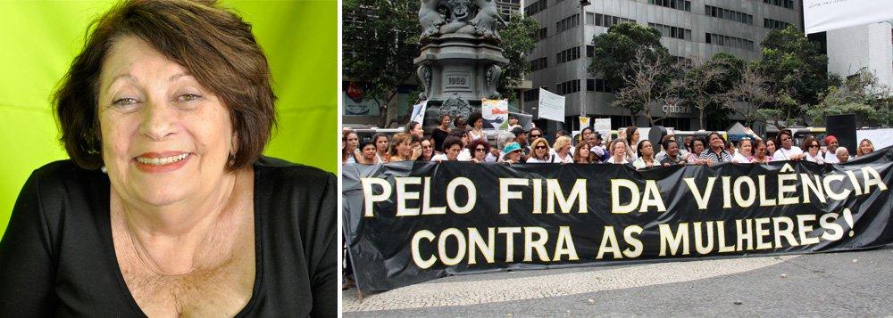 """A professora da PUC-SP e escritora Rosalinda Santa Cruz, presa e torturada na ditadura militar, aponta os desafios de luta num cenário de golpe e ameaças às liberdades individuais; """"Vivemos tempos muito difíceis, basta olhar o extermínio dos negros que é promovido nas periferias. Sentir medo desse enfrentamento é normal, porém, a resistência se faz necessária, sempre"""", alerta; confira sua entrevista a Isa Penna no programa 'Por que feminista?' desta semana na TV 247"""