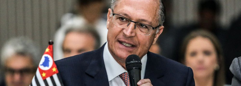 Geraldo Alckmin foi, direta ou indiretamente, o maior responsável pelos 24 anos de governos do PSDB em São Paulo. Agora, ele pretende partir para a disputa presidencial ancorado numa mensagem principal: levar para o País o que, segundo ele, seu governo fez bem em São Paulo. É, portanto, oportuno debater as suas políticas