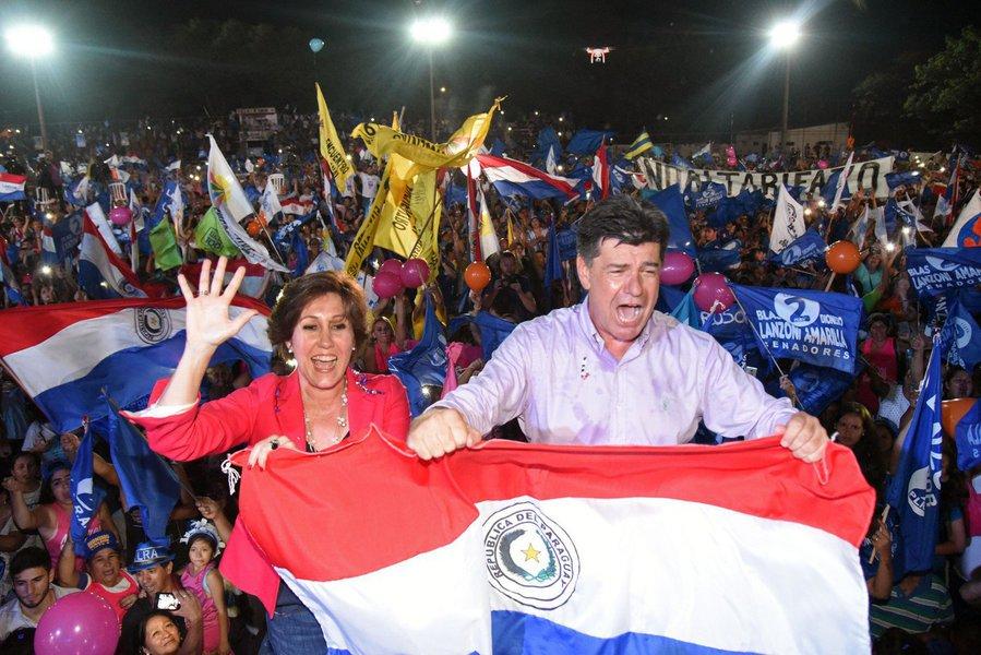 Candidato Efraín Alegre, em ato final de campanha, é a chance da centro-esquerda conquistar o governo do país vizinho