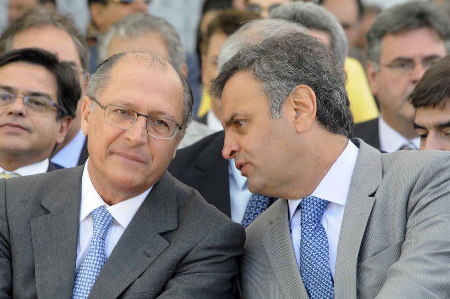 """A jornalista Tereza Cruvinel avalia nesta sexta-feira, 20, que o ex-governador Geraldo Alckmin pode ter dado um tiro no pé ao tripudiar sobre o infortúnio do senador Aécio Neves, exortando-o a não disputar cargo algum para não prejudicar sua campanha, depois de ter virado réu no STF; """"O troco pode ser uma barreira contra a entrada de Alckmin em Minas, o que seria fatal para quem já é refugado pelo Nordeste"""", diz Tereza; """"Rejeitado no Nordeste, enfrentando a concorrência de Bolsonaro em São Paulo e a de Álvaro Dias no Sul, Alckmin precisa muito de Minas. Mas pode ter fechado a porteira"""""""