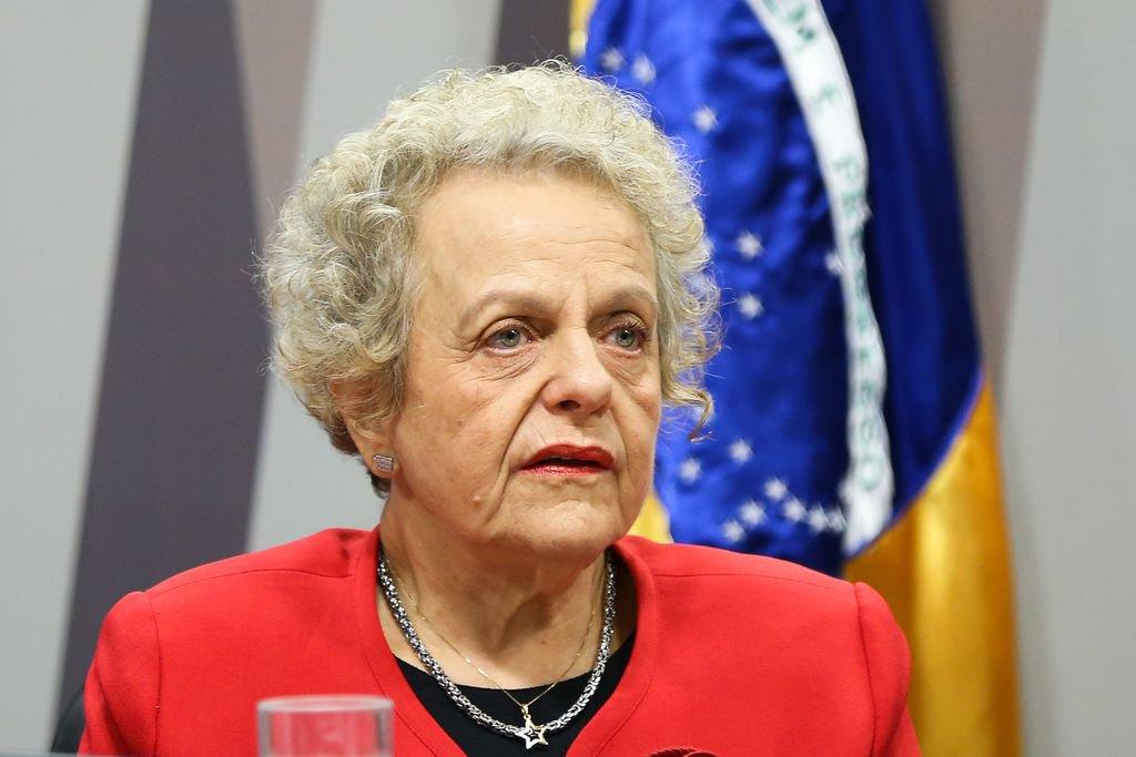 """""""Nesses últimos dois dias, o golpista anuncia que todos os recursos destinados a combater com políticas publicas a violência contra as mulheres foram transferidos para a SECOMVergonhoso!!!!! Fazer propaganda de um golpista com recursos destinados às mulheres: bárbaro é cruel"""", diz aEleonora Menicucci, ex-ministra da Secretaria de Políticas para as Mulheres no governo Dilma"""