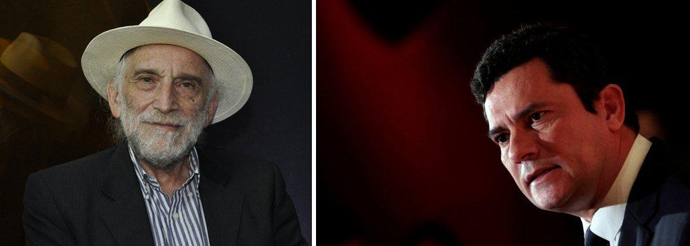 """O jornalista Alex Solnik critica a posição de algoz do juiz Sérgio Moro em não querer devolver o processo do sítio de Atibaia (SP)à justiça de São Paulo; """"Como o STF permite essa subversão de anarquia em pleno Estado de direito? Quem deu poder ao Moro de ser inquisidor do Brasil?"""", questiona; Assista a íntegra do programa Boa Noite 247"""
