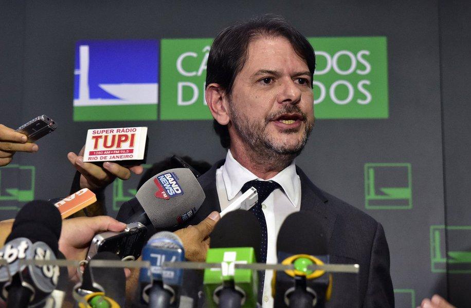 De acordo com o jornal O Globo, os irmãos Joesley e Wesley Batista, da JBS, prometeram dar detalhes que provariam a propina no valor de R$ 20 milhões ao ex-governador do Ceará, Cid Gomes. As acusações foram feitas inicialmente em delação fechada em maio de 2017