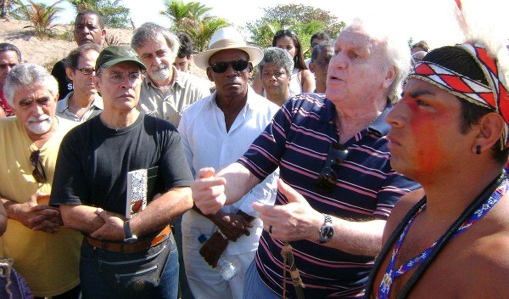 O jurista João Luiz Duboc Pinaud morreu neta segunda-feira (23) aos 87 anos, no Rio; o corpo foi velado na Câmara de Vereadores de Niterói; a cremação estava prevista para as 10h desta terça-feira (24); Pinaud foi advogado, promotor, juiz, escritor e professor universitário; em sua carreira, também foi um grande defensor dos direitos humanos