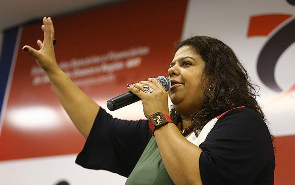"""Para a presidenta do Sindicato dos Bancários e Financiários de São Paulo, Osasco e Região, Ivone Silva, o julgamento do habeas corpus do ex-presidente Lula no STF ditará o os rumos da democracia no país. """"Saberemos se a nossa democracia continuará ou deixará de existir"""", disse"""