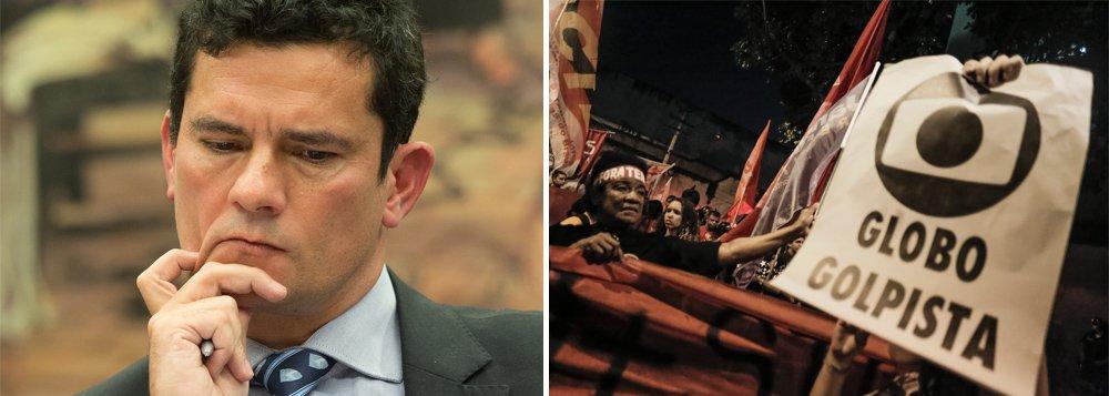 """""""A decisão do STF abre caminho para a nulidade não só do processo do sítio de Atibaia, como também para a anulação da farsa do tríplex armada por Moro, Dallagnol e Globo para perseguir, condenar e prender Lula"""", diz o colunista Jeferson Miola; """"As razões para isso são robustas: [1] se houvesse crime, a jurisdição para julgamento seria a justiça federal de São Paulo, nunca a de Curitiba; e, [2] em caso de processo penal, deveria ser observado o juiz natural do caso, princípio constitucional que excluiria Sérgio Moro da condução dos casos""""; afirma; """"O abalo no principal pilar do regime de exceção debilita a ditadura. Daí que se pode entender a fúria canina da Lava Jato e o jornalismo de guerra da Globo no combate à decisão do STF"""""""