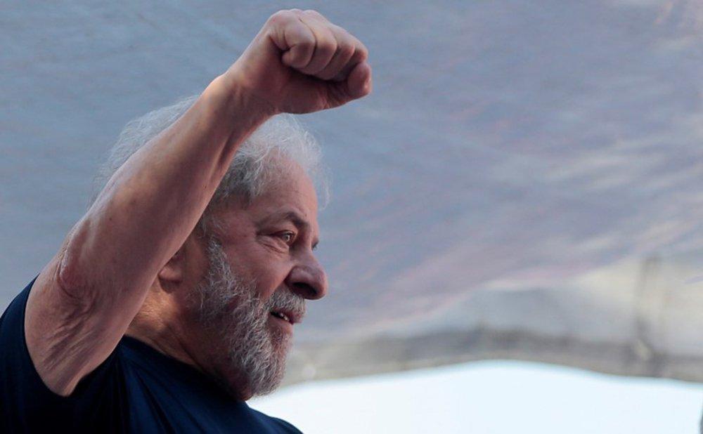 Ex-presidente Luiz Inácio Lula da Silva participa de evento na sede do Sindicato dos Metalúrgicos do ABC, em São Bernardo do Campo, antes de se entregar à Polícia Federal. 7/04/ 2018. REUTERS/Leonardo Benassatto