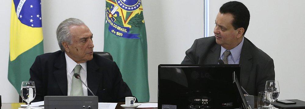 Brasília - O presidente interino Michel Temer se reúne com os ministros da Educação, Mendonça Filho, da Ciência, Tecnologia, Inovações e Comunicações, Gilberto Kassab, e representantes da comunidade científica do país (José Cruz/Agência Brasil)
