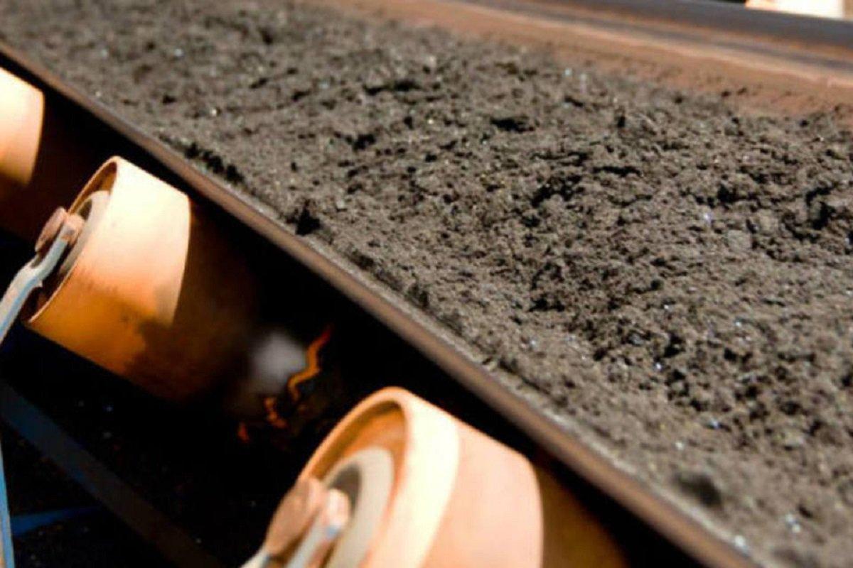 Apenas 17 dias após se romper e levar poluição a um manancial em Minas Gerais, o mineroduto da Anglo American voltou a registrar um novo vazamento. De acordo com a mineradora britânica, o episódio ocorreu ontem (29) às 18h55. O rompimento já foi estancado e a empresa paralisou as operações