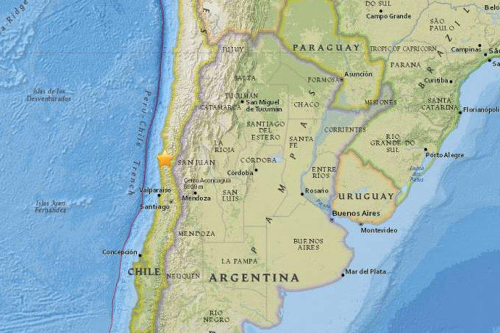 Um terremoto de magnitude 5,3 sacudiu as regiões de Coquimbo e Atacama, no norte do Chile, sem causar vítimas e danos consideráveis, segundo as autoridades do país; o seu epicentro foi situado a 5,3 quilômetros a sudeste de Ovalle e a cerca de 400 de Santiago, na região de Coquimbo, com seu hipocentro a 56,5 quilômetros de profundidade, informou o Centro Sismológico Nacional, da Universidade do Chile