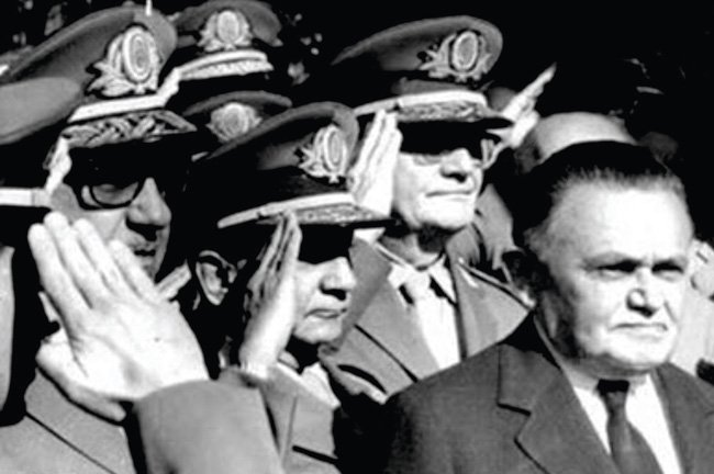 No Brasil, durante os anos da ditadura militar, tivemos uma sucessão de tiranos