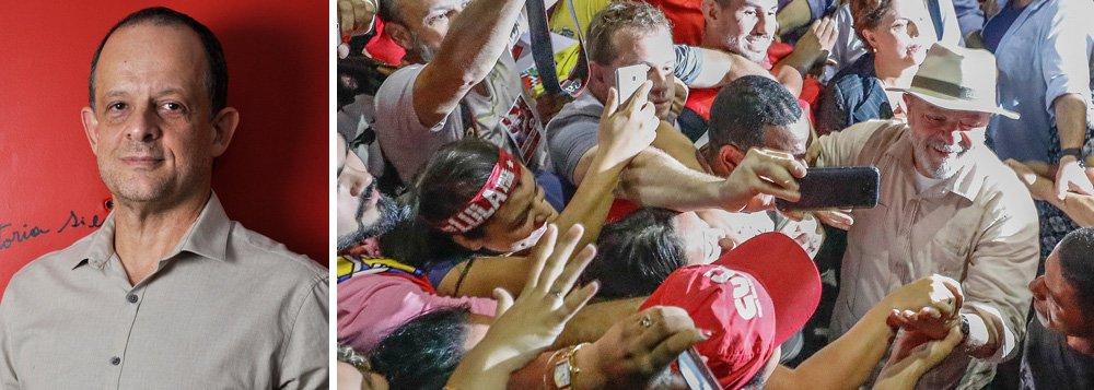 """O jornalista Breno Altman, editor do site Opera Mundi, classifica a prisão política do ex-presidente Lula como um golpe continuado; """"O processo teve início com o impeachment da presidenta Dilma em 2016 e culminou com a prisão de Lula. É estratégico para as elites criminalizar a esquerda e manter o ex-presidente detido"""", diz, em entrevista à TV 247; para ele,""""a saída hoje é a capacidade de mobilização popular""""; assista a íntegra"""