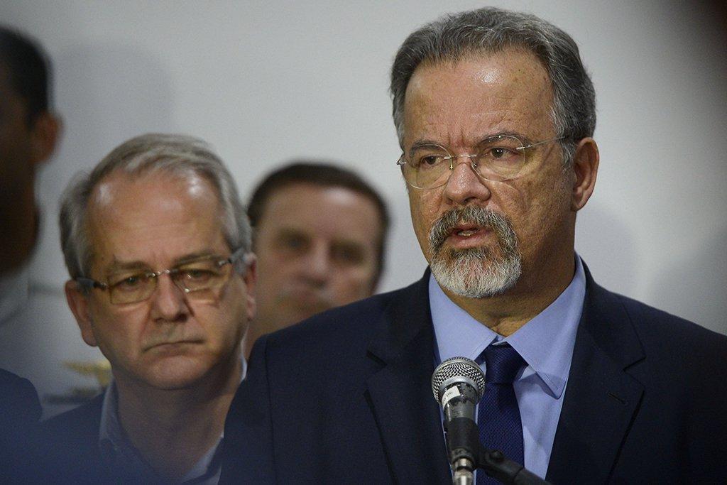 itória (ES) - Ministro da Defesa, Raul Jungmann, chega ao Espírito Santo e se reune com o governador em exercício do estado, César Colnago no 38o Batalhão de Infantaria em Vila Velha. ( Tânia Rêgo/Agência Brasil)