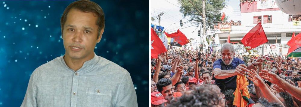 """Leonardo Stoppa alerta que a luta deixou de ser contra o golpe de Estado e tornou-se uma luta pela independência do Brasil; """"Eu vejo o Brasil hoje como uma colônia oficial dos Estados Unidos e o Lula é o principal prisioneiro, o país precisa agora de uma guerra por independência"""", projeta; Assista a íntegra"""