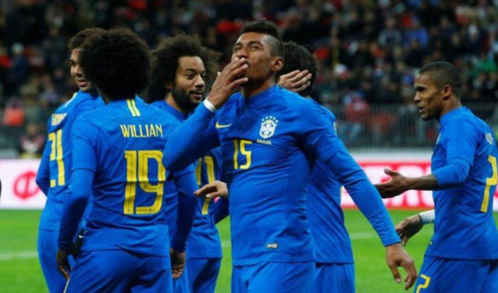 A seleção brasileira marcou três gols logo após o intervalo, depois de um primeiro tempo apático, para alcançar uma vitória por 3 x 0 contra a Rússia, anfitriã da Copa do Mundo deste ano, em amistoso disputado nesta sexta-feira no estádio de Moscou que será o palco principal do Mundial
