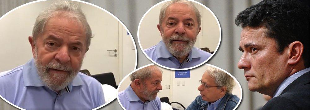"""Pouco antes de ser preso, o ex-presidente Luiz Inácio Lula da Silva gravou um vídeo ao lado de Frei Betto, em que traçou um perfil psicológico de Sergio Moro; """"eu estive lá, eu vi, ele tem uma mente doentia"""", afirmou; Lula, no entanto, se disse tranquilo e se mostrou confiante na Justiça; """"pode demorar um pouquinho, mas vou sair de lá mais forte""""; ele também afirmou que Moro e o procurador Deltan Dallagnol devem estar com a """"consciência pesada"""" e qualificou o processo judicial que o condenou como uma """"palhaçada"""", feita em conluio com a Rede Globo; assista"""