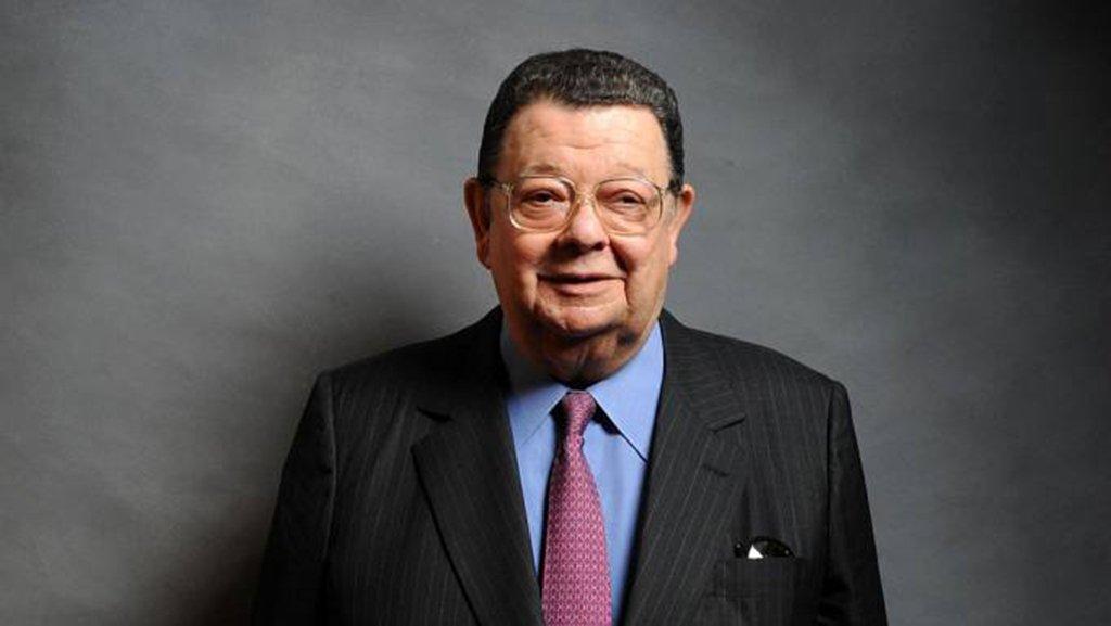 """Após ser alvo da Operação Lava Jato, o ex-ministro Delfim Netto negou ter recebido propina para favorecer o consórcio que venceu a licitação para construção da Usina de Belo Monte, no Pará; """"Estou fora da política há 10 anos e do poder Executivo há 30…"""", disse; ele foi citado na delaçãode Flávio Barra, ex-executivo da Andrade Gutierrez; o delator afirmou ter pago R$ 15 milhões ao político"""
