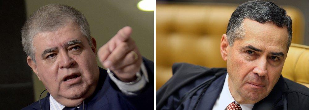 """Ministro da Secretaria de Governo, Carlos Marun, acusou o ministro Luís Roberto Barroso, do Supremo Tribunal Federal (STF), de tomar decisões judiciais """"contaminado"""" por suas opções políticas; ele votou a dizer que se licenciará do ministério para entrar com um pedido de impeachment contra Barroso por conta da decisão do magistrado de autorizar a quebra de sigilo bancário do presidente Michel Temer; segundo Marun, a Câmara já deveria ter tomado medidas mais duras contra Barroso pelo que chamou de """"aviltamento de suas prerrogativas"""""""