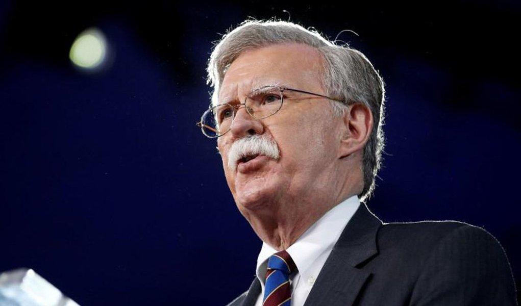 O novo assessor de Segurança Nacional dos EUA, John Bolton, tentou persuadir Israel a realizar um ataque preventivo ao Irã antes de ele atingir capacidades nucleares, revelou o ex-ministro da Defesa de Israel