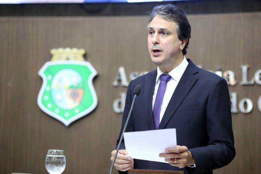 O governador Camilo Santana (PT) anuncia na terça-feira (19), dia de São José, um investimento de R$ 660.334.308,03 em ações nas áreas de abastecimento d´água, projetos produtivos e entrega de tratores