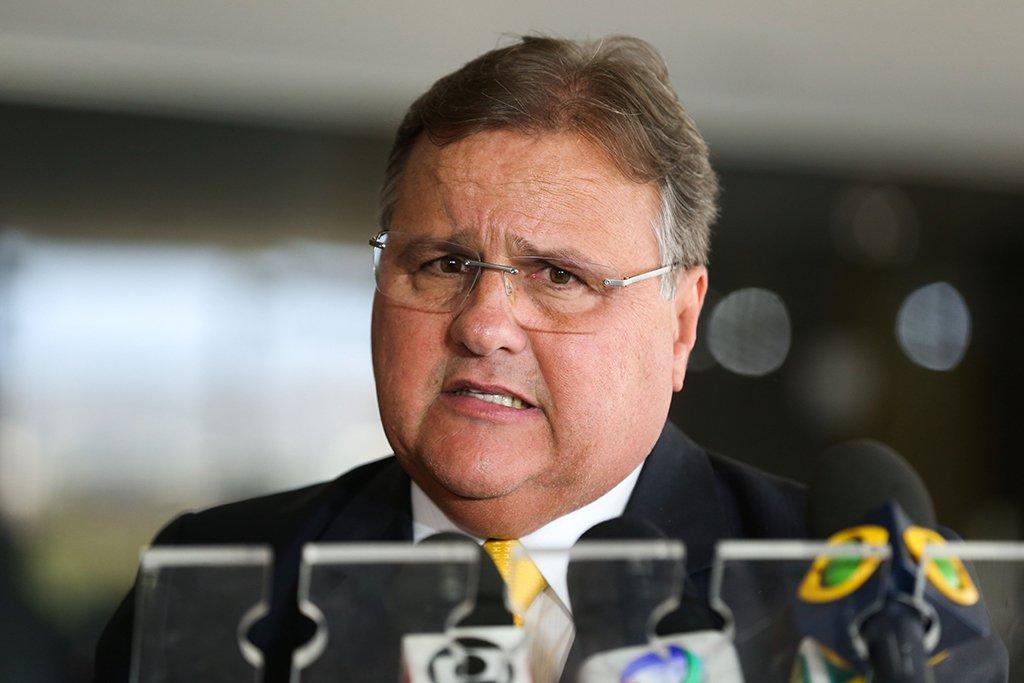 Brasília - Ministro-chefe da Secretaria de Governo da Presidência da República, Geddel Vieira Lima, fala à imprensa no Palácio do Planalto (Valter Campanato/Agência Brasil)