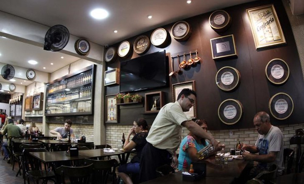Restaurante no centro de Belo Horizonte. 11/04/2014 REUTERS/Washington Alves