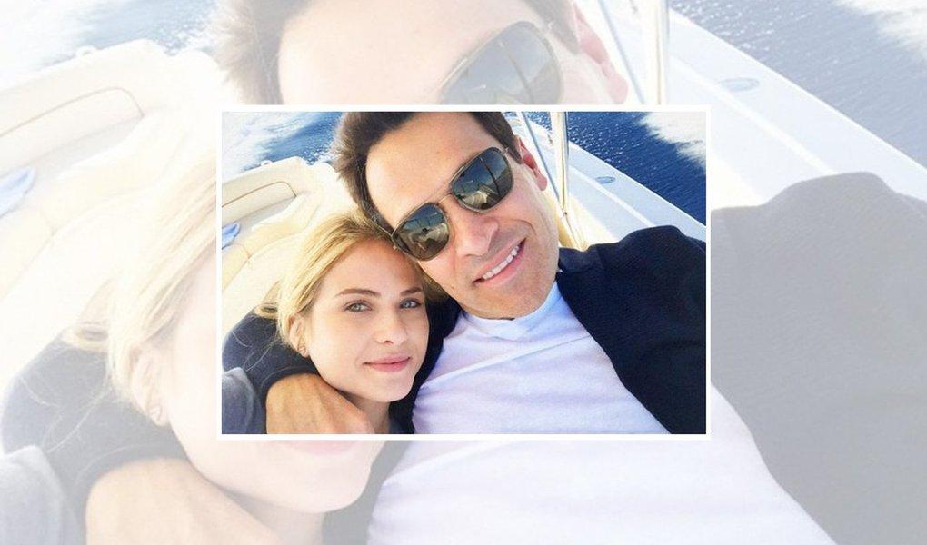 Juiz Sergio Moro condenou o empresário Mariano Marcondes Ferraz, ex-marido da atriz Luiza Valdetaro, a dez anos e quatro meses de cadeia por lavagem de dinheiro e corrupção ativa; Mariano também terá de devolver 868 mil dólares, ou R$ 2,8 milhões de reais, à Petrobras; montante foi usado em pagamento de propina ao ex-diretor Paulo Roberto Costa em troca de benefícios para sua empresa; Mariano Marcondes Ferraz é filho da socialite Regina Marcondes Ferraz e membro de uma das famílias mais tradicionais do Rio de Janeiro
