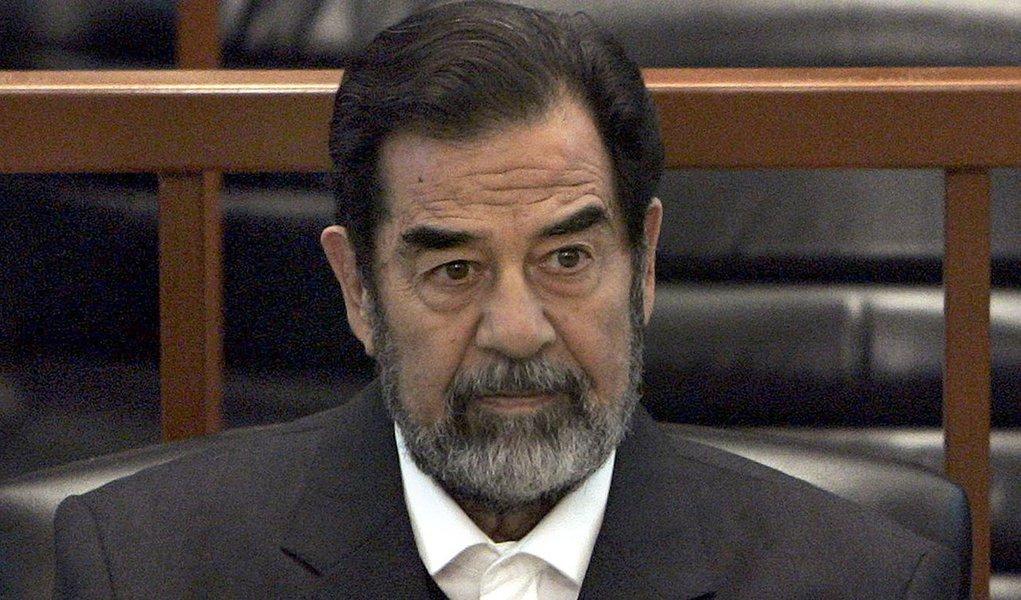 As autoridades iraquianas ordenaram nesta segunda-feira (5) o confisco de todos os fundos do ex-presidente iraquiano, Saddam Hussein, e de sua família, bem como o embargo dos fundos de 4.257 ex-responsáveis de seu regime, informou o Órgão Nacional Supremo para a Prestação de Contas e da Justiça