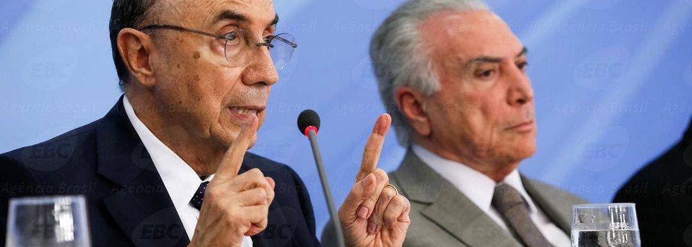 Bras�lia - Ministro da Fazenda, Henrique Meirelles, e o presidente Michel Temer durante anuncio do pacote de medidas econ�micas (Beto Barata/PR)