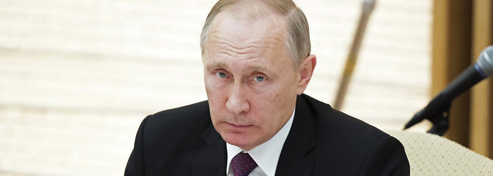 """O presidente da Rússia, Vladimir Putin, declarou que os países que querem cooperar com a Rússia na esfera militar sofrem uma pressão """"sem precedentes e aberta""""; """"Não é segredo que os Estados que querem cooperar com a Rússia no campo técnico-militar estão sujeitos a pressões sem precedentes e abertas"""", disse Putin em uma reunião da Comissão para a Cooperação Técnico-Militar da Rússia"""