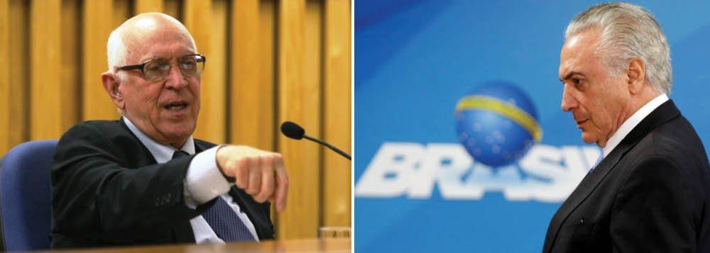 """Em artigo no Jornal do Brasil, o jurista Dalmo Dallari diz que a caracterização do interventor, o general Braga Netto, como militar não tem """"fundamento jurídico""""; """"Isso é completo absurdo, pois o Presidente pode escolher o Interventor, que pode ser um civil ou militar, mas que, em qualquer dessas hipóteses, será um servidor civil auxiliar do Chefe do Executivo"""", diz ele"""