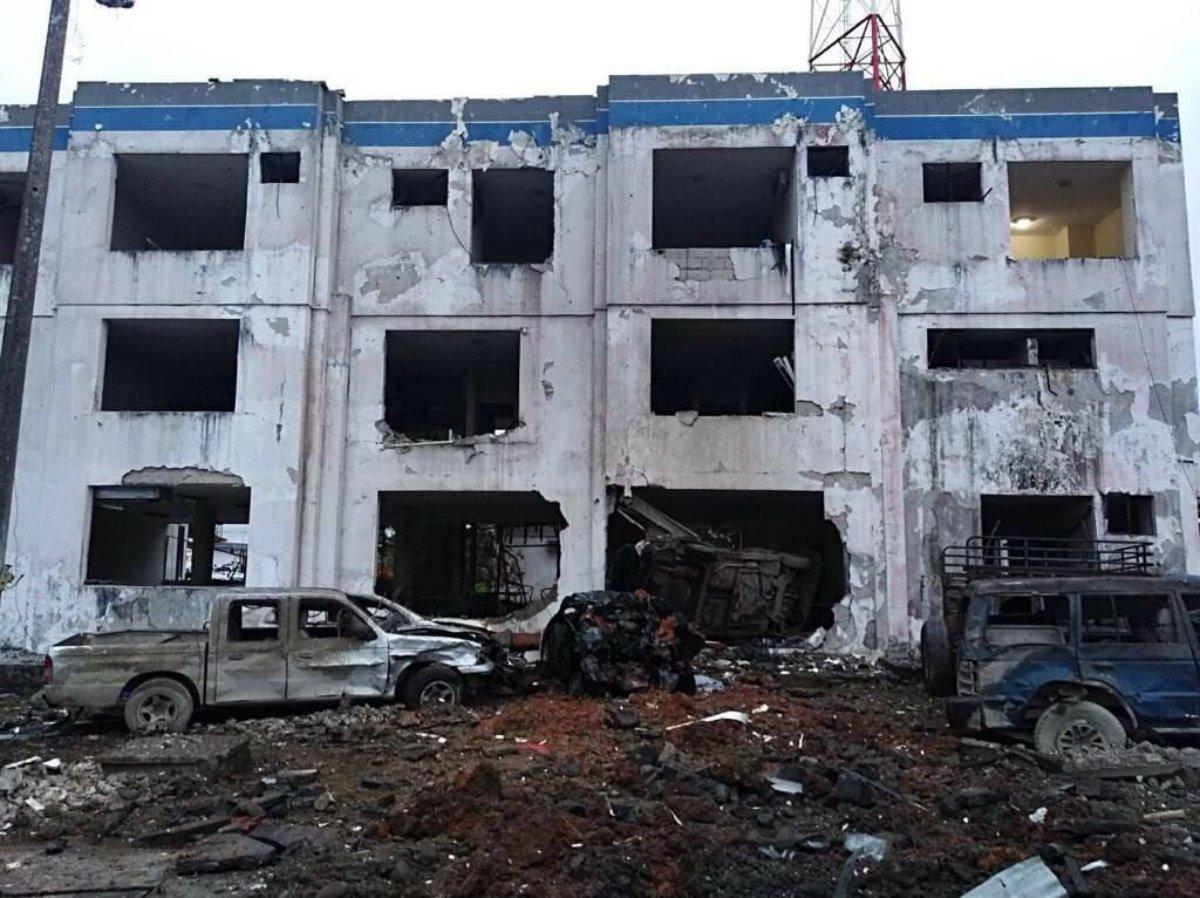 Carro-Bomba explode em frente a quartel de polícia e deixa 13 soldados feridos na cidade de San Lorenzo,no Equador