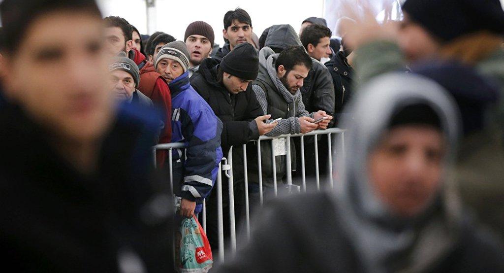As autoridades alemãs estão preocupadas com o fato de o país ter de aceitar muitos refugiados em meio a novos regulamentos que podem ser adotados em breve pela União Europeia; Parlamento Europeu pretende introduzir alterações ao chamado Regulamento de Dublin, que pode resultar em um crescente fluxo de migrantes para a Alemanha, informou a revista alemã Der Spiegel