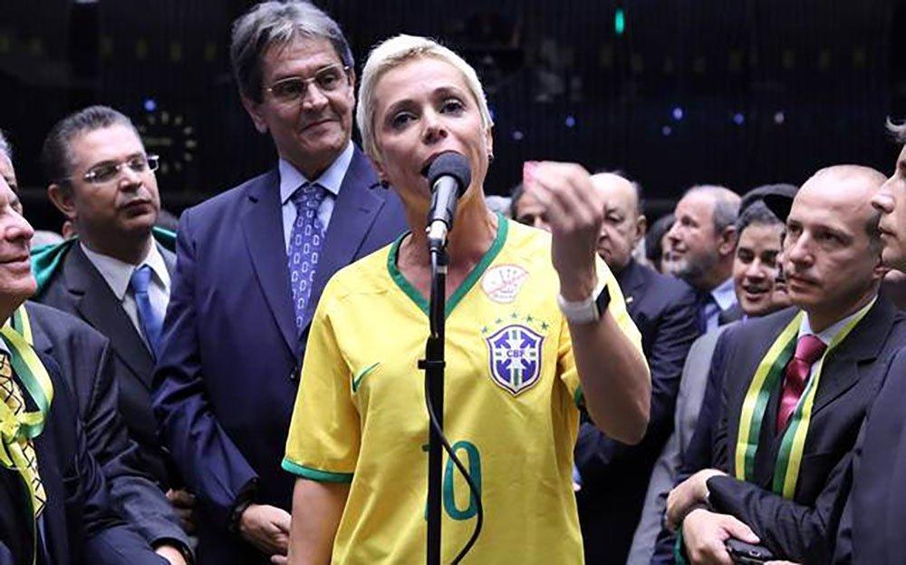 Impedida de tomar posse, parlamentar articulou apoio do PTB ao golpe e votou a favor de medidas austeras do governo, informa Cristiane Sampaio, no Brasil de Fato
