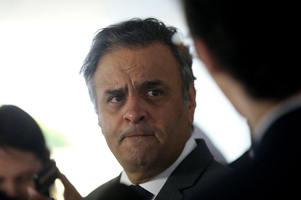 Brasília - Senador Aécio Neves fala à imprensa após audiência com o presidente Michel Temer no Palácio do Planalto (Wilson Dias/Agência Brasil)