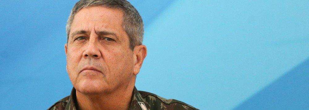 """O nomeado para ser o interventor na segurança pública do Rio, general Walter Braga Netto, está preocupado com eventuais efeitos negativos do vazamento da operações em favelas; """"A gente sempre tem preocupação com vazamento de operações"""", disse ele; para o ministro interno da Defesa, general Joaquim Luna e Silva, o vazamento """"pode ser uma exceção"""""""