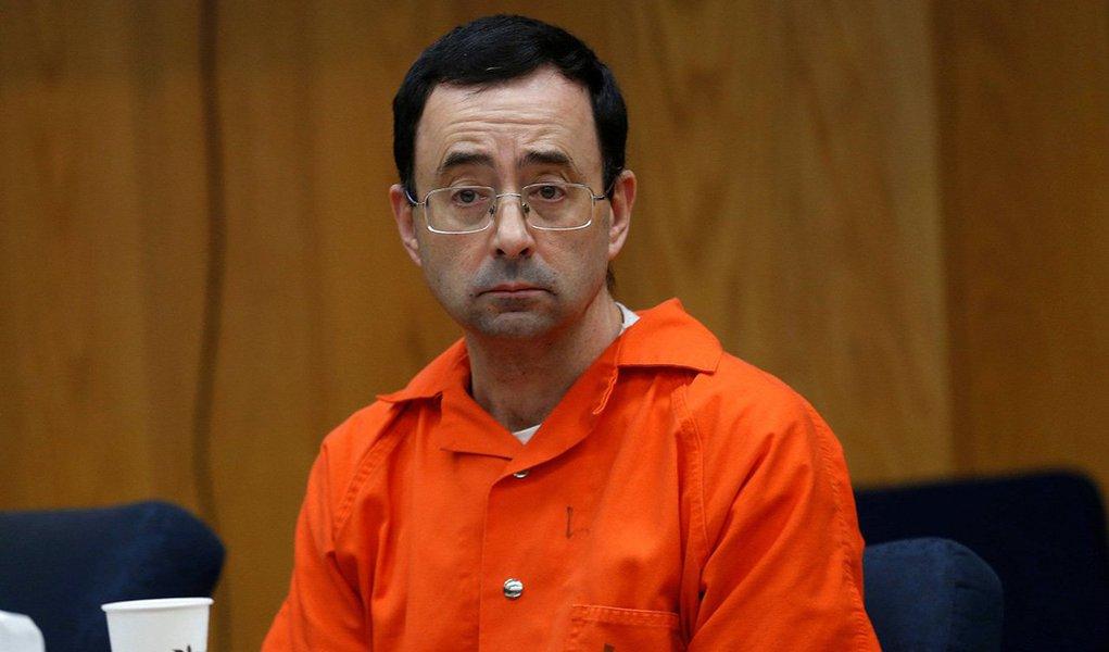O ex-médico da equipe de ginástica dos Estados Unidos Larry Nassar foi condenado a uma pena adicional de 40 a 125 anos de prisão em um tribunal do Michigan nesta segunda-feira, por abusar sexualmente de jovens ginastas, após uma sentença anterior de até 175 anos de prisão imposta no último mês