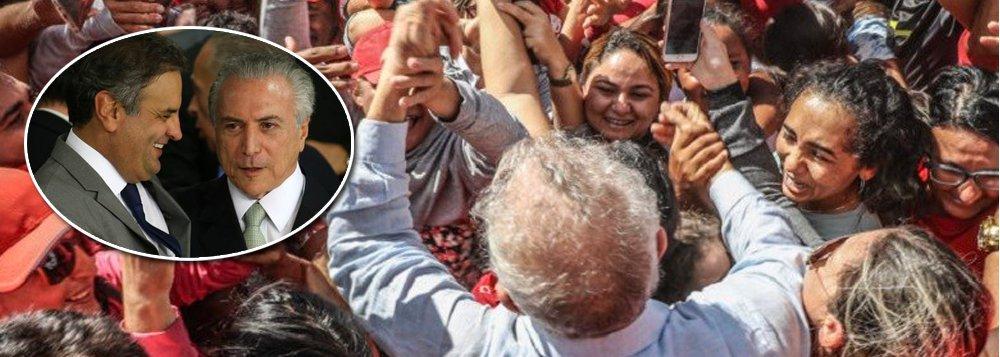"""""""A direita pode muito, mas não pode tudo. Senão, o Lula não seria, de novo, reconhecido pela grande maioria como o seu único e grande líder legítimo"""", escreve o sociólogo Emir Sader; para o colunista, """"a violência, física e institucional, é uma vitória de Pirro. No seu bojo traz a multiplicação da indignação de milhões e milhões de pessoas""""; """"Porque a guerra contra Lula tornou-se a guerra contra a democracia, a guerra o Brasil, a guerra contra o povo brasileiro"""", conclui"""