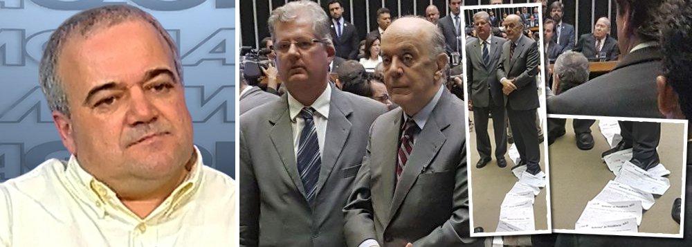 """O jornalista Mario Marona criticou nesta terça-feira, 6, o senador José Serra (PSDB-SP), que viralizou nas redes sociais ao pisar em assinaturas do abaixo-assinado contra a reforma da Previdência na primeira Sessão do Congresso; para Marona, os golpistas de 2016 são piores do que os militares; """"Por mais canalha que tenham sido, duvido que um daqueles generais tivesse peito de fazer o que o Serra fez ontem no Congresso: pisar debochadamente sobre um abaixo-assinado de cidadão brasileiros"""", escreveu ele em seu Facebook; mais de 320 mil assinaturas foram coletadas"""