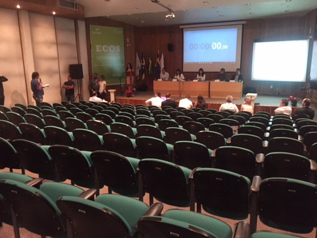 O evento obrigatório ao processo de desestatização das distribuidoras da Eletrobrás, em Porto Velho (RO), promovido pelo BNDES, terminou com os representantes do governo golpista de Michel falando às moscas